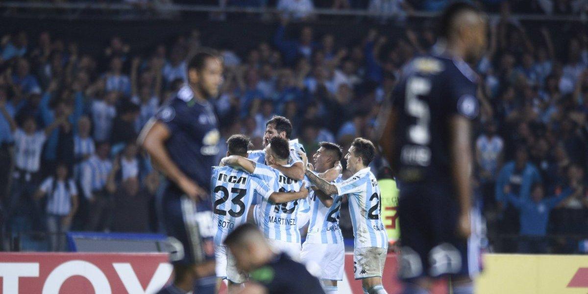 A la U no le alcanzó con el coraje y perdió ante Racing para quedar colgando en la Libertadores