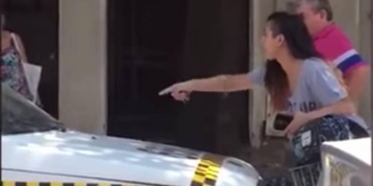 VIDEO: joven es acosada por taxista y ella lo enfrenta