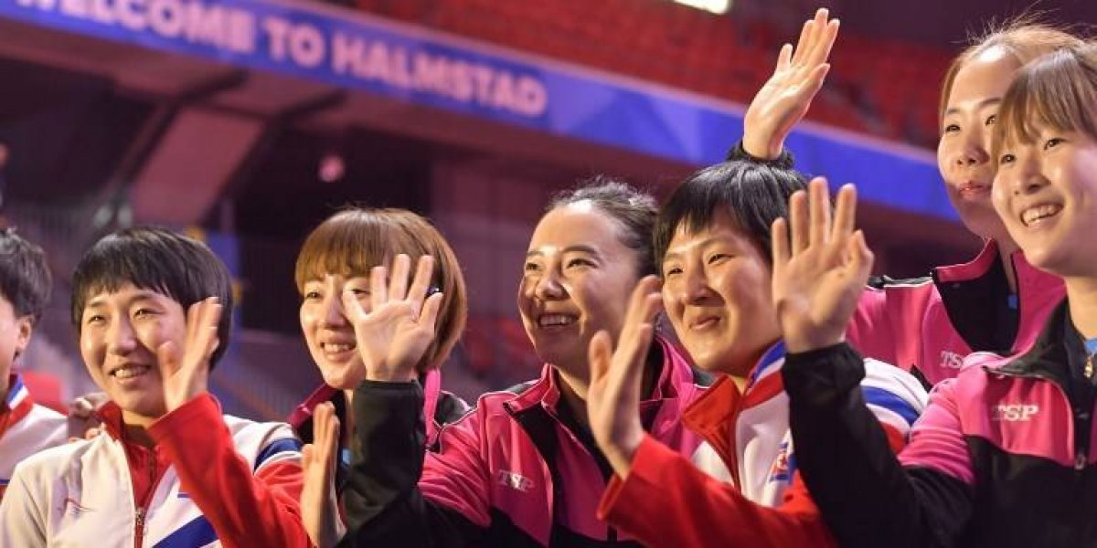 VIDEO. Deportistas de Corea del Norte y del Sur, dan el mejor ejemplo de amistad