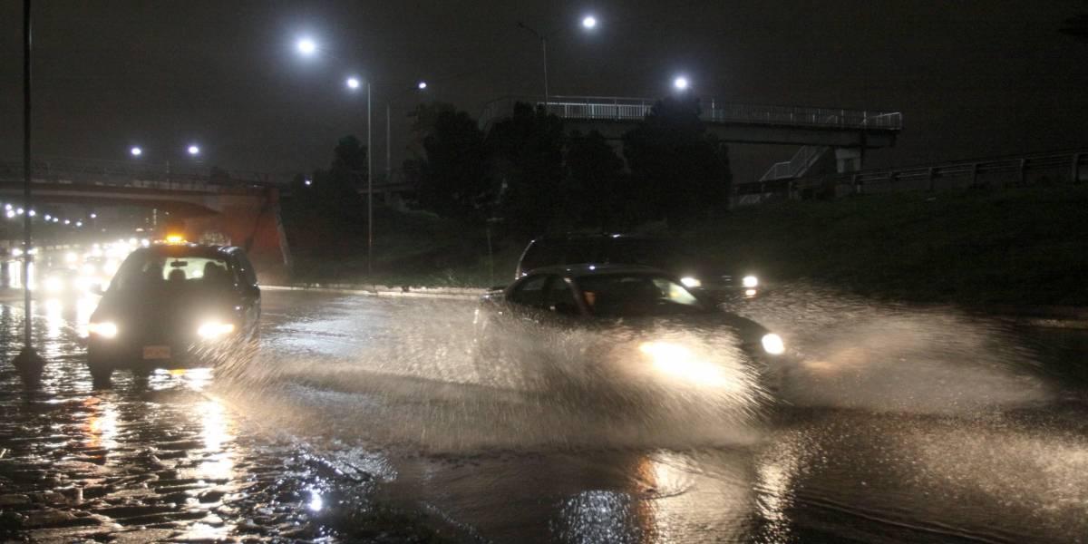 CDMX amanece caótica por lluvia que persistirá todo el día