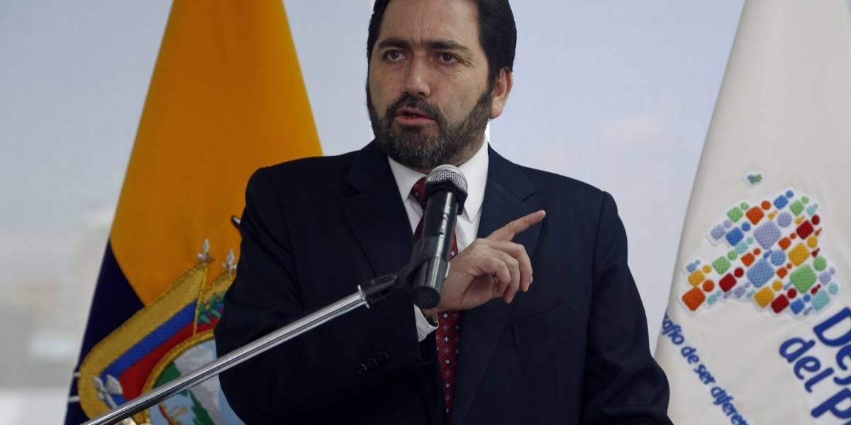 """Ramiro Rivadeneira tacha de """"inconstitucional"""" decisión del CPCCS transitorio"""