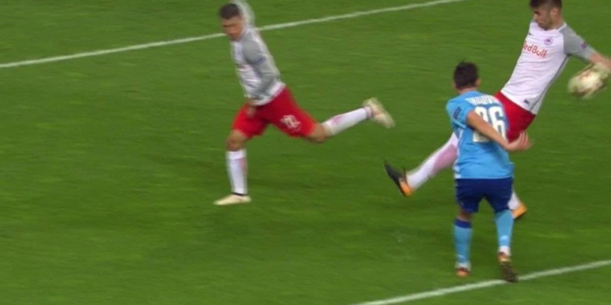 Señores UEFA, ¿es fútbol o voléibol? El increíble penal no cobrado al Marsella en la Europa League