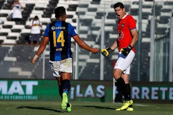 Carlos Lampe sigue firme en su deseo de saltar desde Huachipato a una liga más competitiva que la chilena / Foto: Photosport
