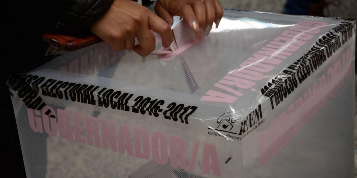 Priista sugiere votar por AMLO 'con la mugre de los codos'