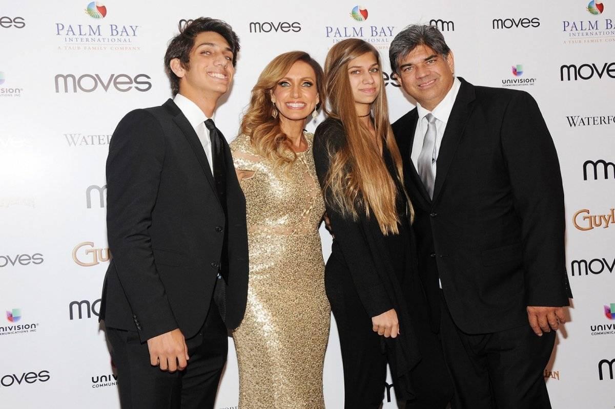 Lili Estefan y su familia