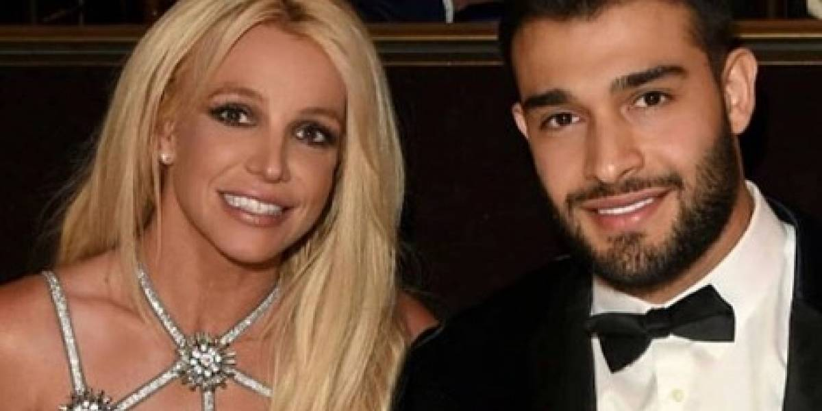 Britney Spears faz sessão de treinos incrível ao lado do namorado