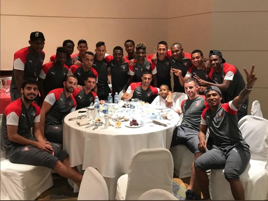 LDU Oficial Hernán Barcos cumplió el sueño de un joven hincha de Liga de Quito