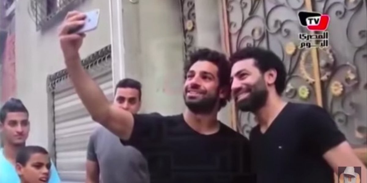 VIDEO: El doble de Mohamed Salah que engañó a los aficionados del Liverpool