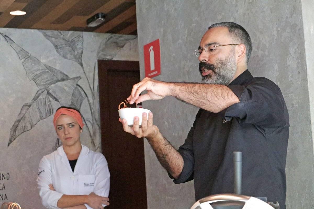 chef e sócio do restaurante orgânico Le Manjue