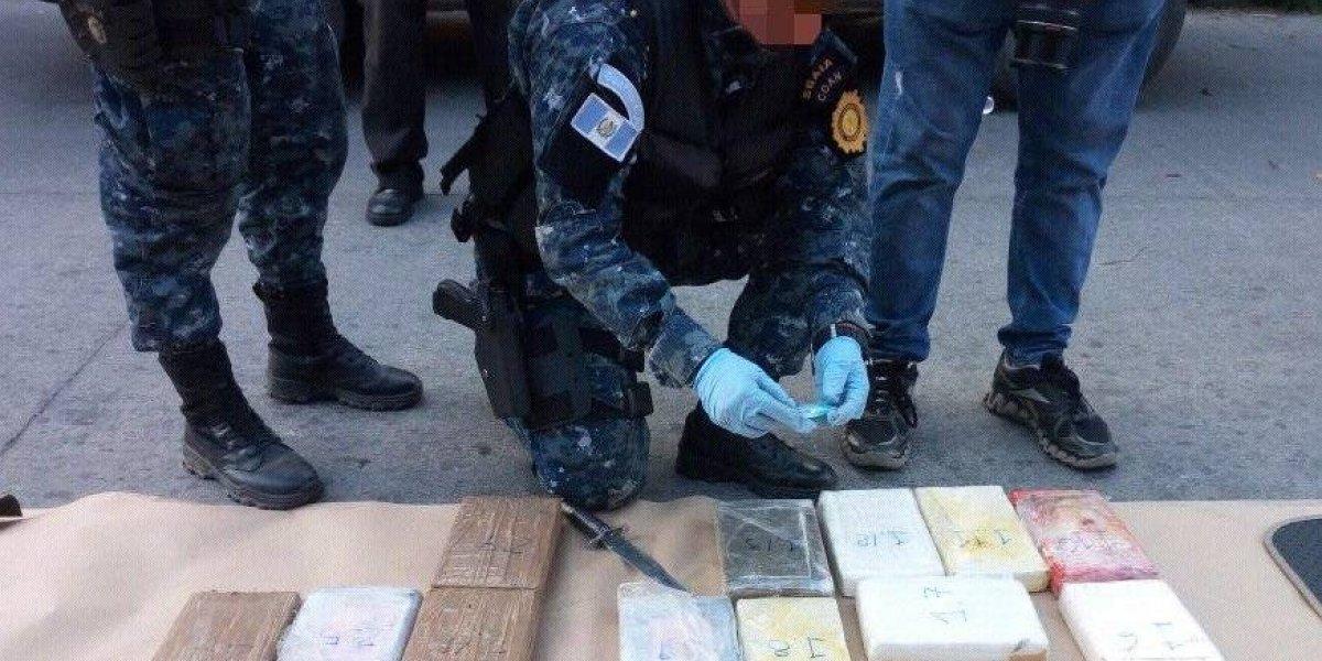 Decomisan cocaína en operativo en Antigua Guatemala
