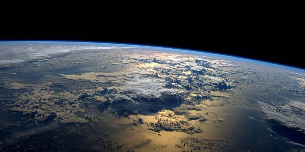 ¿Qué pasaría si la Tierra girara en dirección contraria?