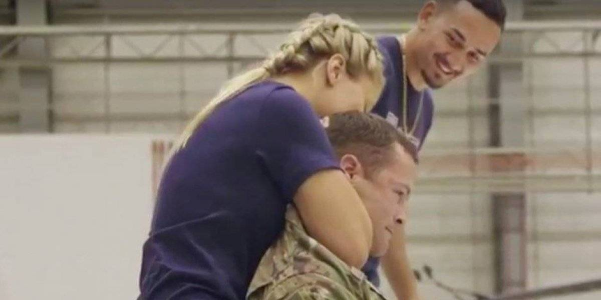 Sexy luchadora de la UFC dejó inconsciente a soldado