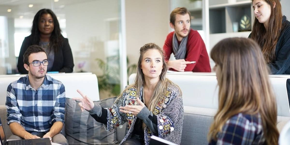 ¿Puedes demandar a alguien por pedorrearse en la oficina?