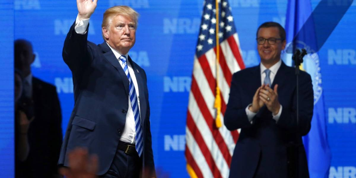 Francia rechaza opinión de Trump sobre control de armas