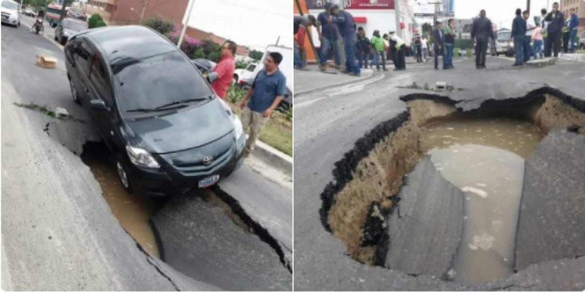 ¿A cuánto asciende la reparación del vehículo afectado en el hundimiento en zona 10?