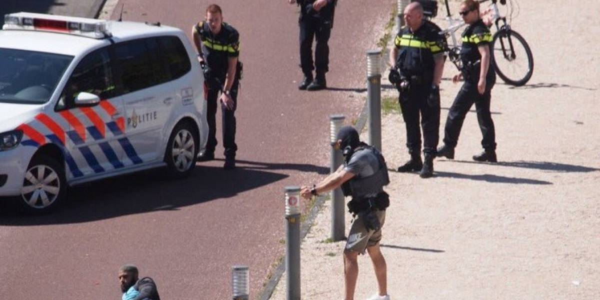 Hombre apuñala a tres personas en estación de tren en La Haya