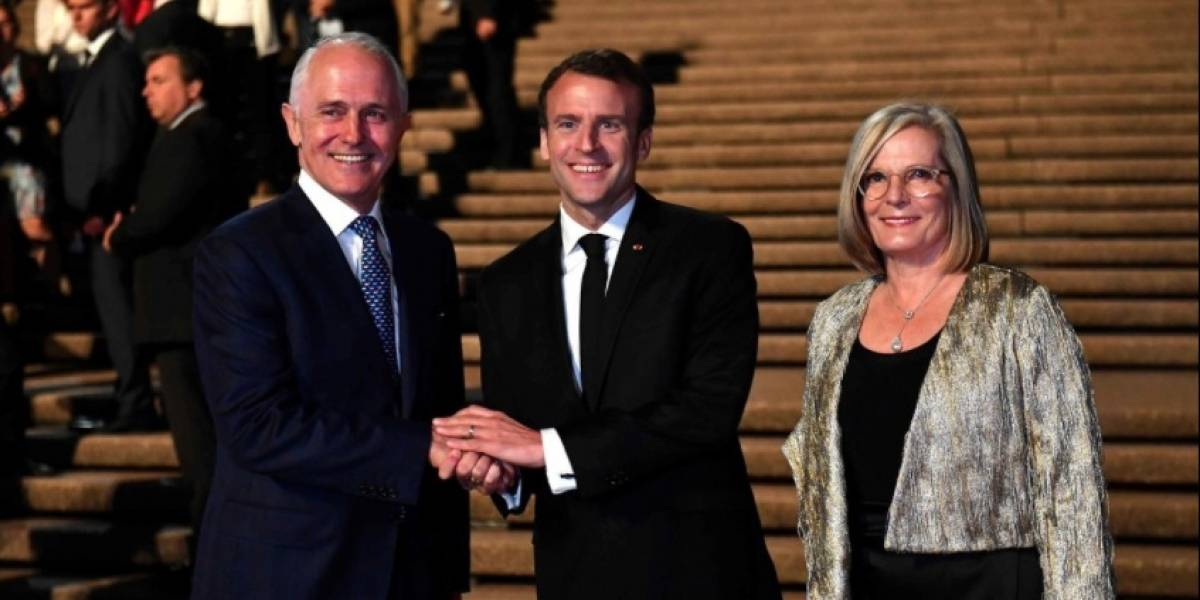 """VIDEO. El presidente de Francia llama en público """"deliciosa"""" a la esposa de un ministro"""