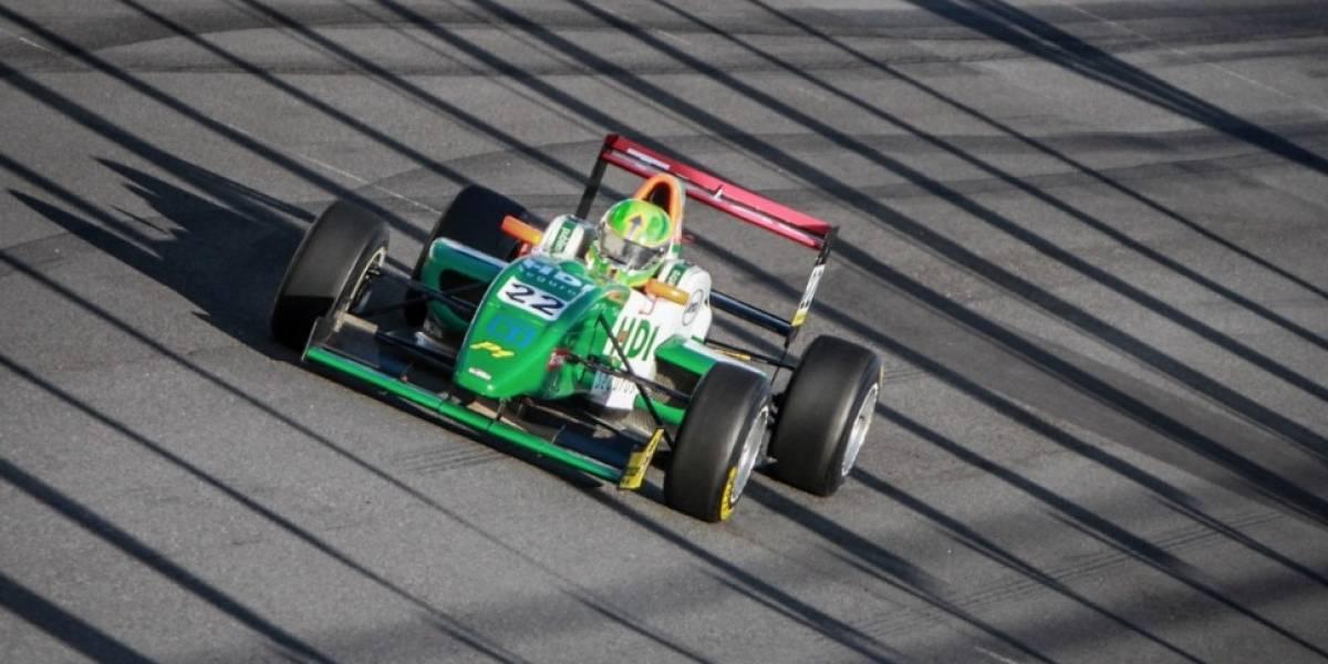 Vicente Bas arrasa y se queda con la tercera fecha de la Fórmula Total