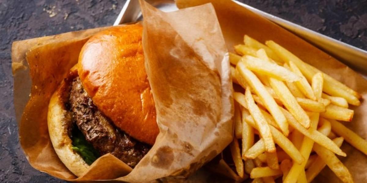 Estudio: Mujeres que comen más comida rápida tardan mucho en quedar embarazadas