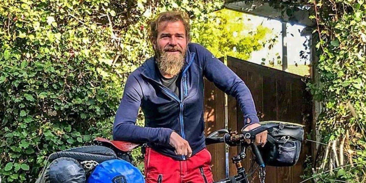Ciclista alemán murió por un disparo, acusa su hermano