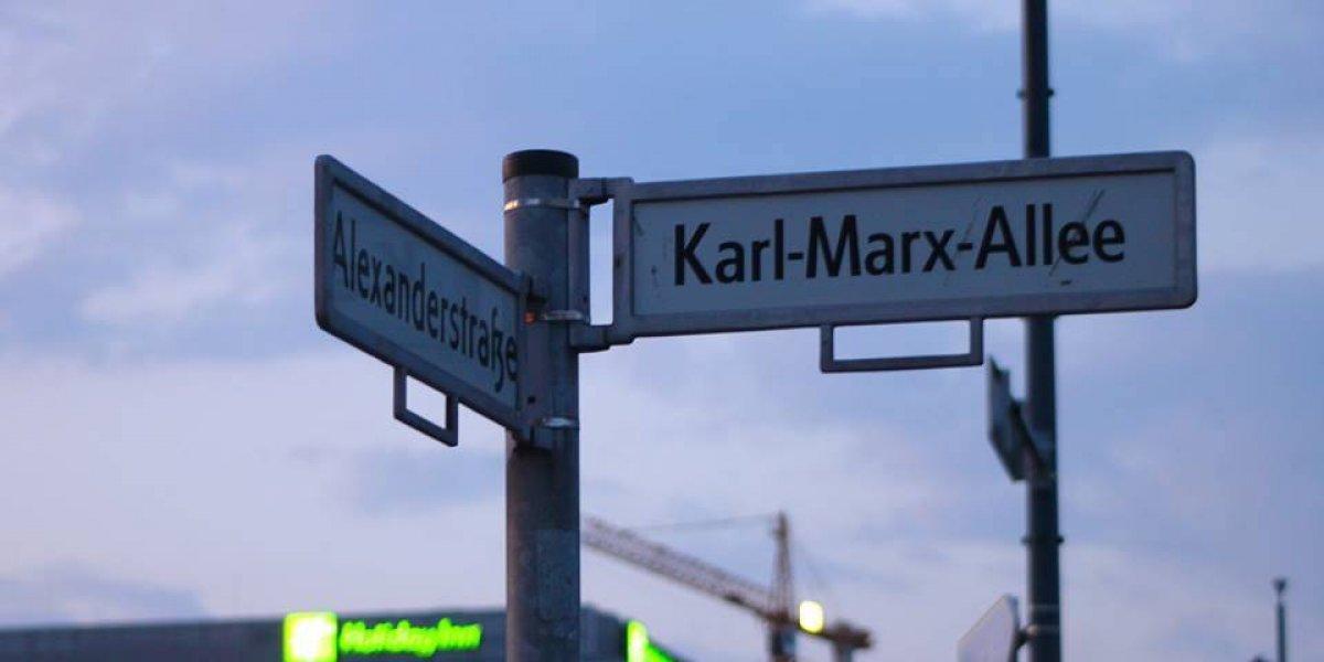 A 200 años del nacimiento de Karl Marx: así es caminar por la calle que lleva su nombre en Berlín
