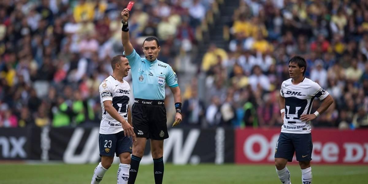 El peor final: Díaz y Nico Castillo fueron expulsados en eliminación de Pumas de los playoffs mexicanos