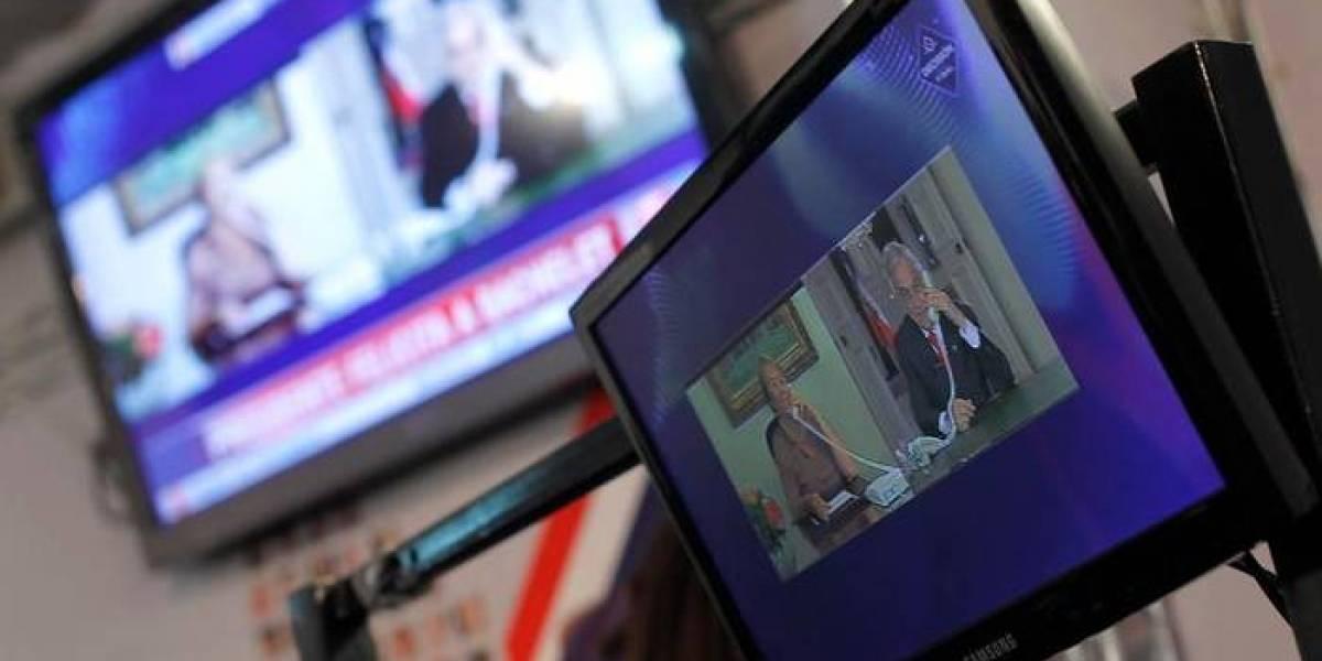 """""""Esto es una estafa"""": compró una smart TV nueva y se encontró con la más increíble de las sorpresas tras prenderla"""