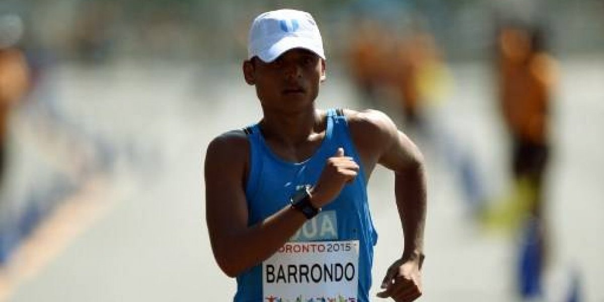 VIDEO. Una lesión traiciona a Erick Barrondo en el Mundial de Marcha