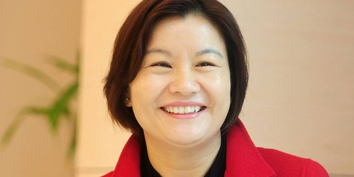 Zhou Qunfei, a chinesa que saiu da pobreza e se tornou a mulher não-herdeira mais rica do mundo