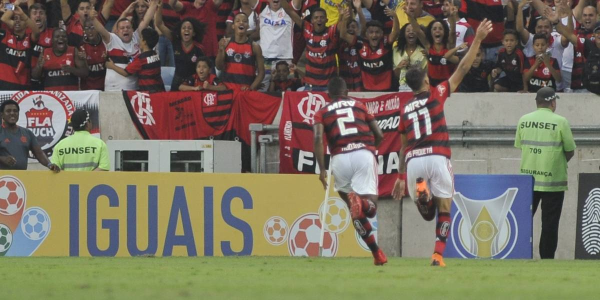 Na volta de Guerrero, Flamengo bate o Internacional e segue na ponta