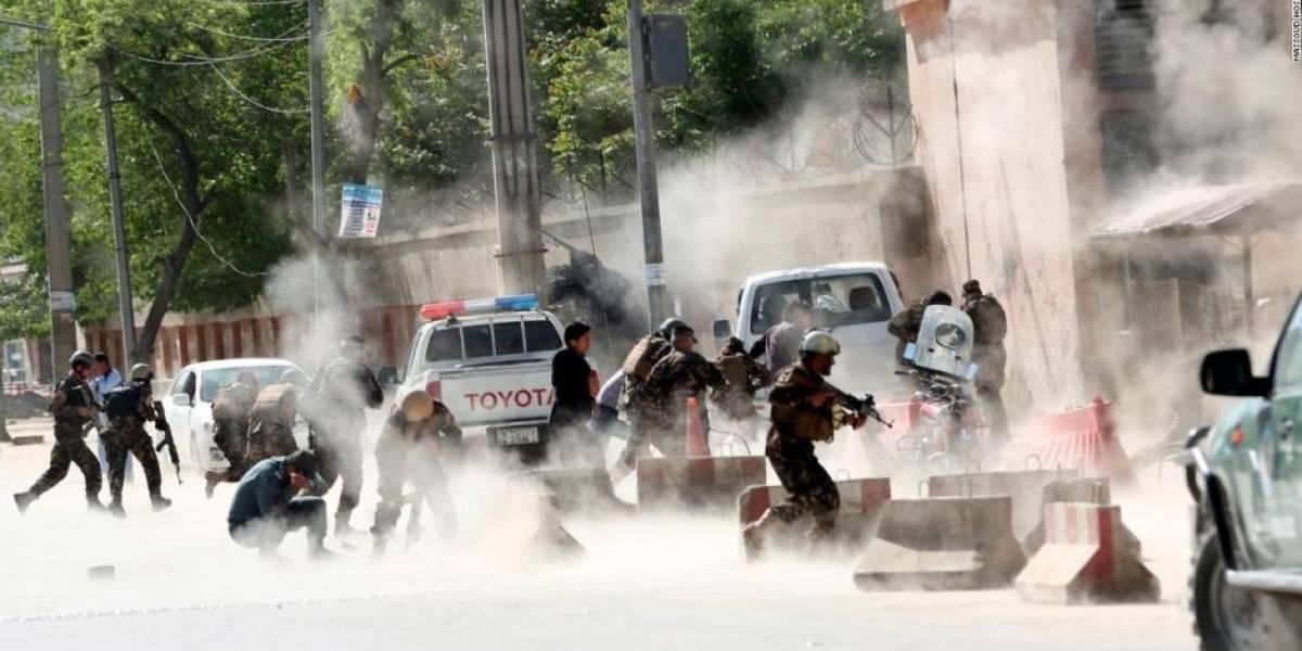 Atentado en Afganistán: explosión de bomba en mezquita deja 12 muertos y 33 heridos