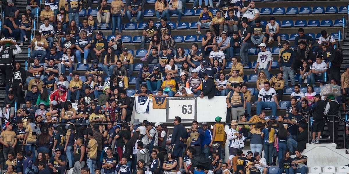 VIDEO: Aficionados de Pumas y América protagonizan pelea en el Estadio Azteca