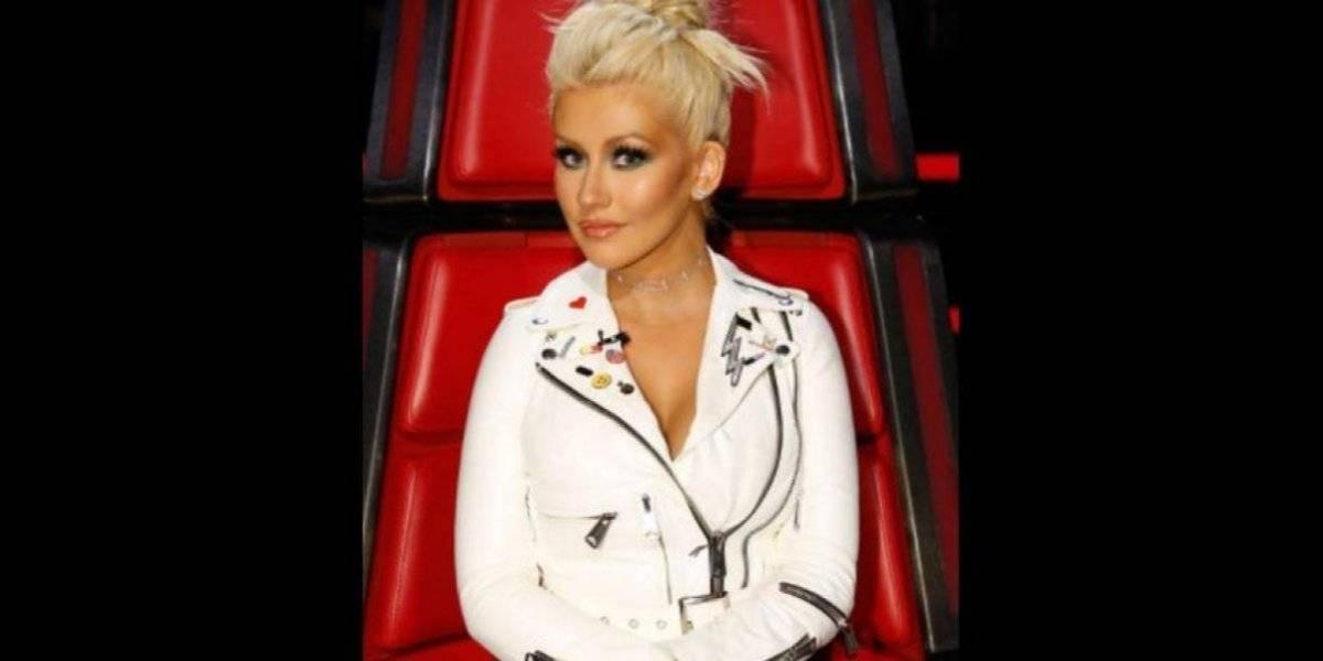 Christina Aguilera reaparece con nueva figura en candente topless