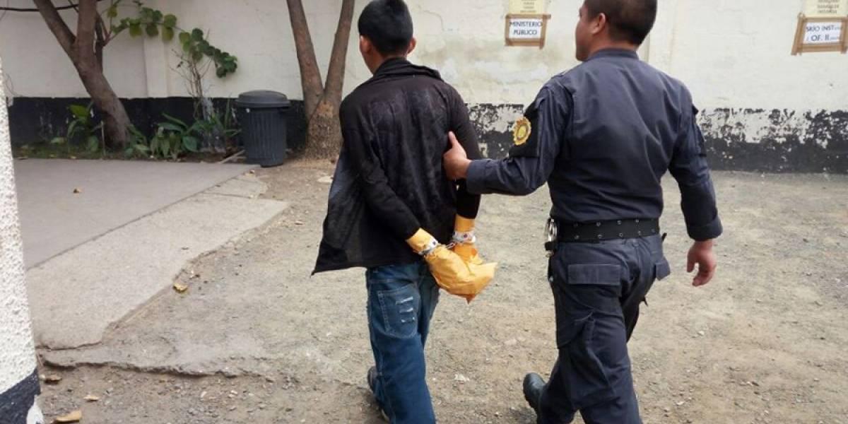 Presunto sicario es detenido tras balacera en El Mezquital
