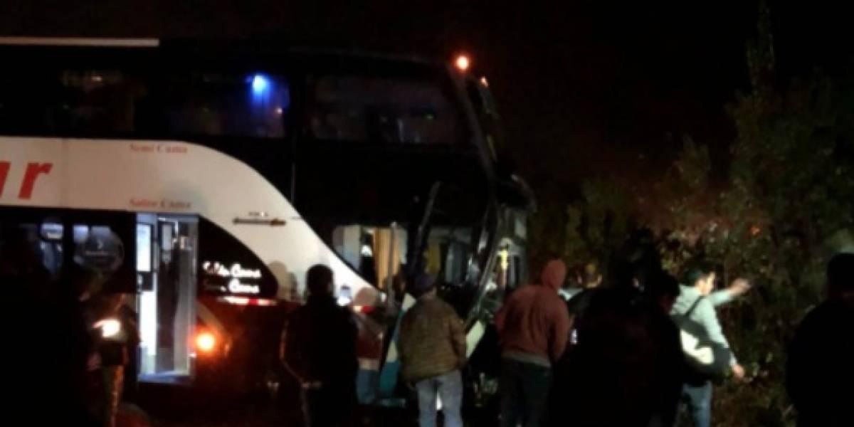 Violento accidente en Valdivia: choque entre bus y automóvil deja dos víctimas fatales
