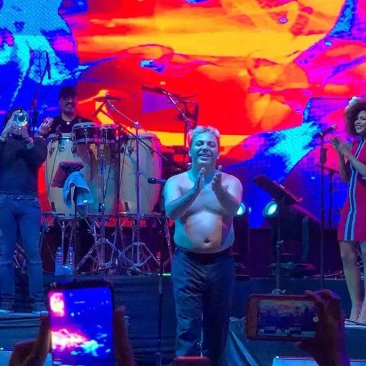 Cristian Castro exhibe una panza que ha dejado boquiabiertos a sus fans