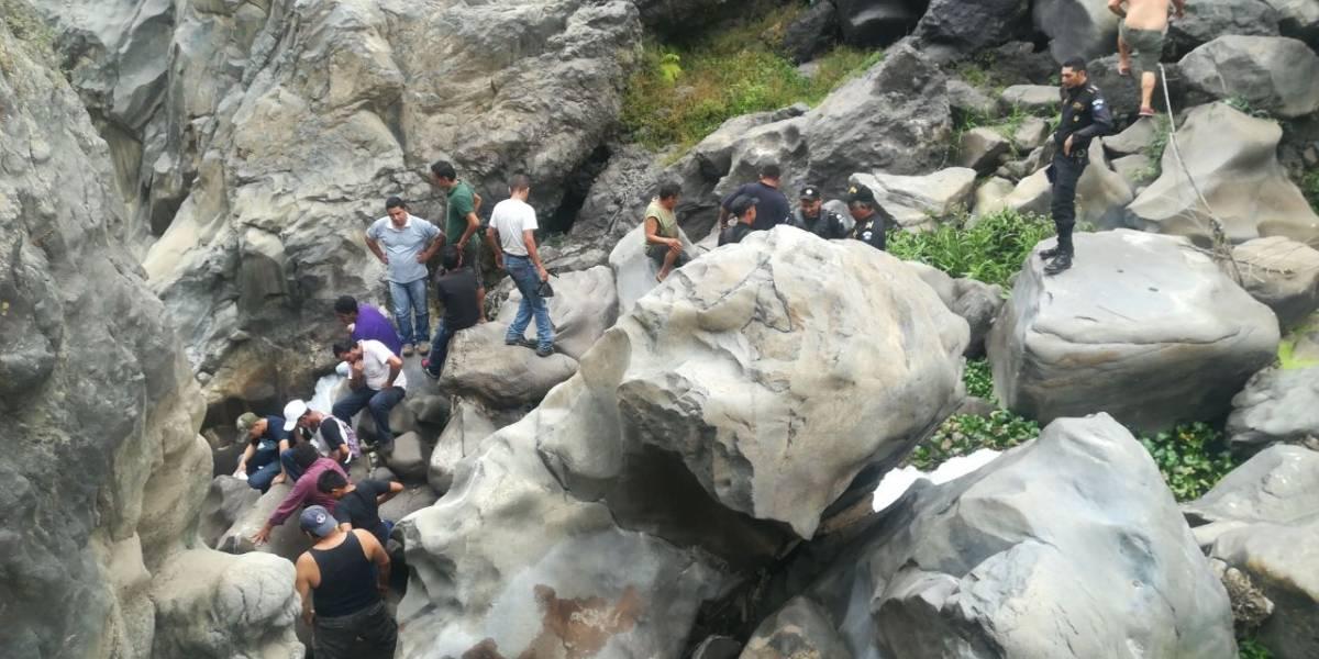 Localizan cuerpo en estado de descomposición en puente Los Esclavos