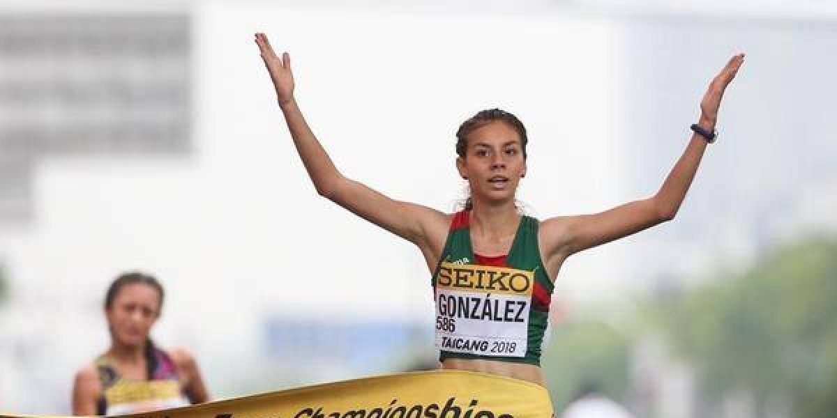 Alegna Aryday González se baña de oro en China