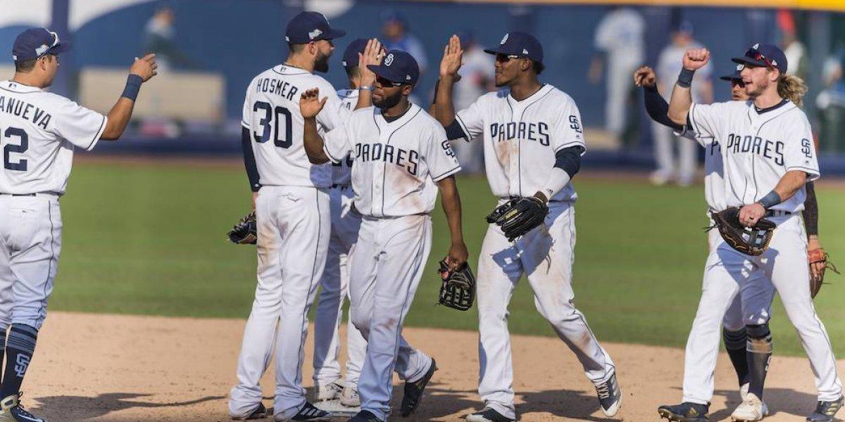 Los Padres se llevan la serie en el último juego en Monterrey