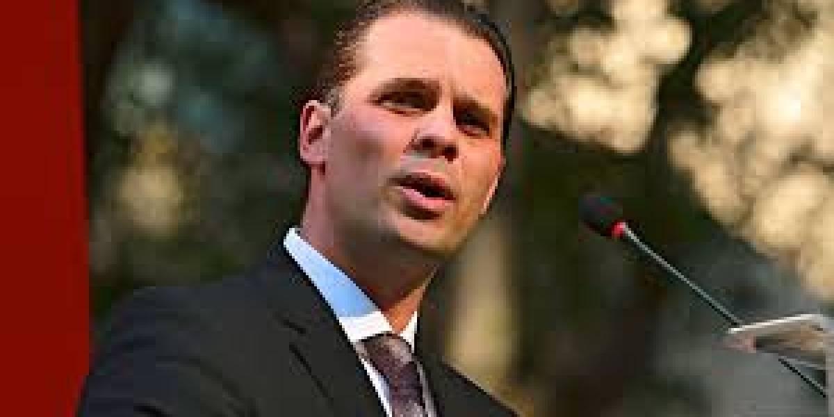 Christian Martinoli responde las burlas de Televisa