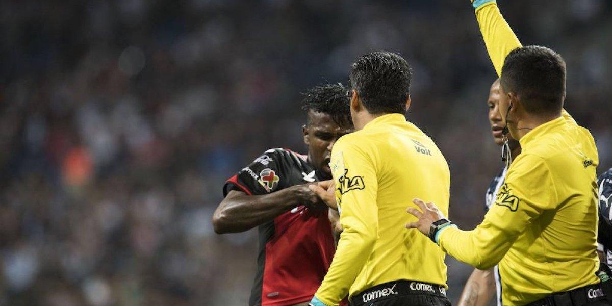 Disciplinaria investiga a árbitro por jaloneos sobre futbolista