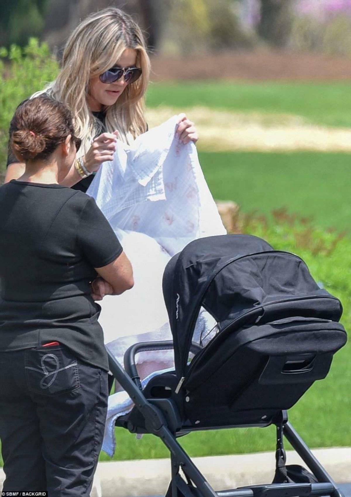 Khloe paseo bebé True