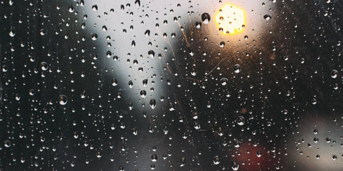 Quito: Lluvia con granizo desbordó alcantarillas