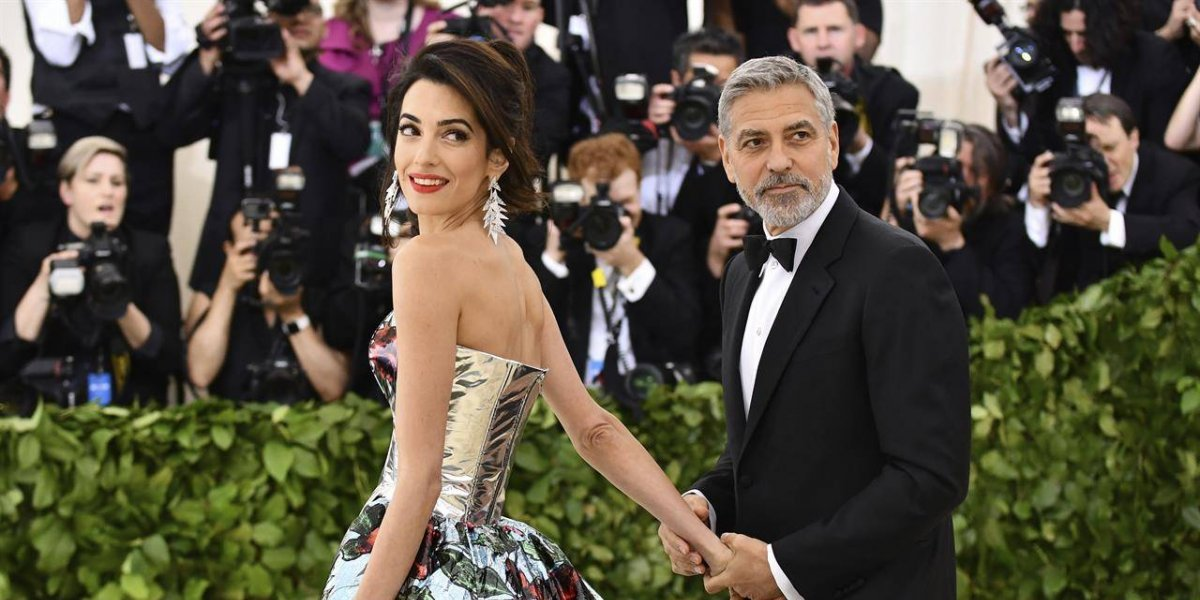 Amal Clooney es criticada por su atuendo en la MET Gala 2018