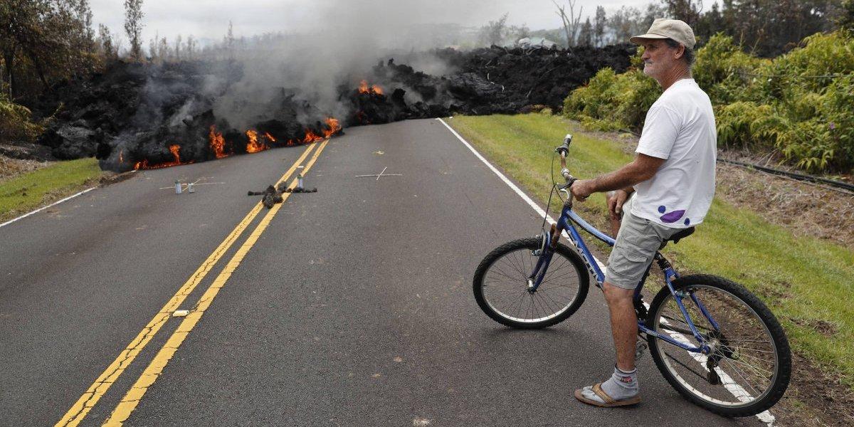 Volcán de Hawai destruye docenas de casas y fuerza desalojos