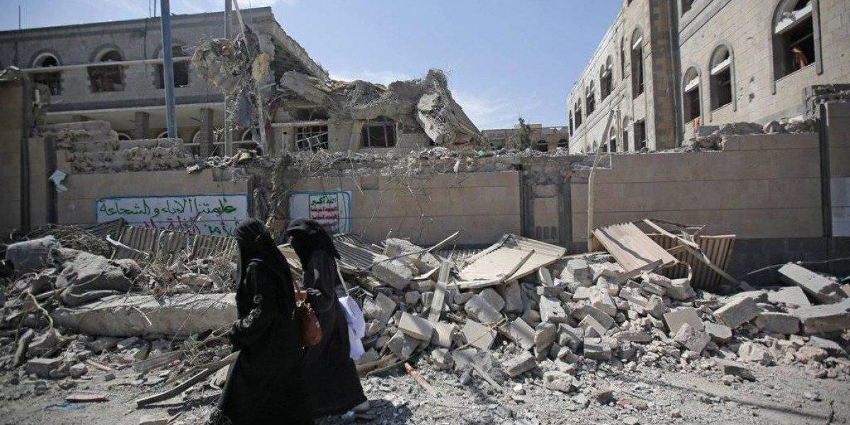 Ataques alcanzan palacio presidencial en Yemen