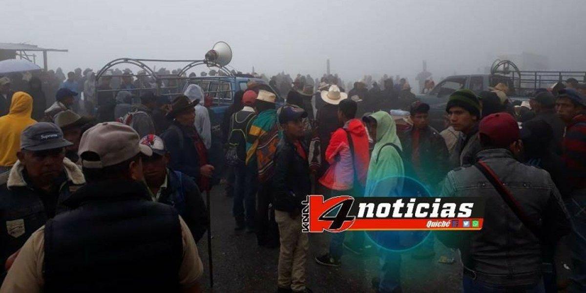 Manifestantes bloquean paso hacia municipios del norte de Quiché