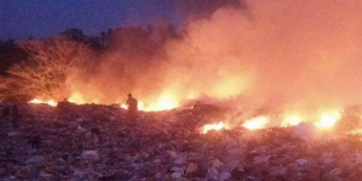 Fotos: Bomberos intentan apagar grave incendio en San Andrés