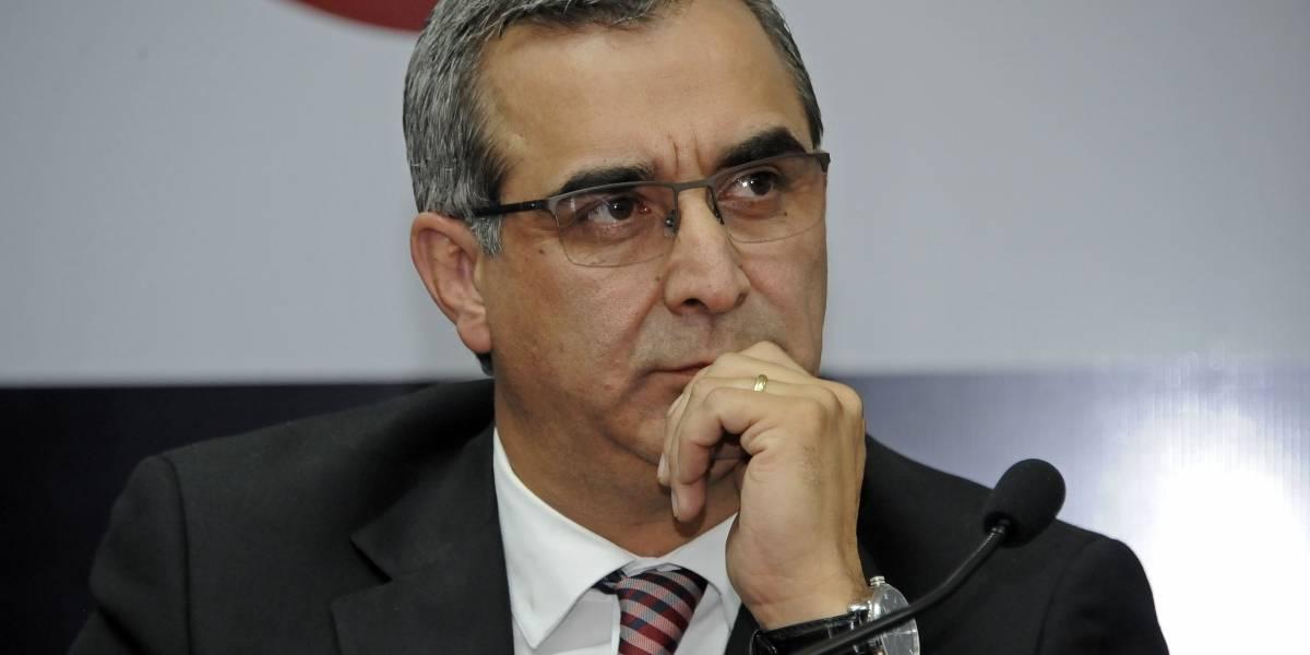 CAL califica pedido de juicio político a Gustavo Jalkh