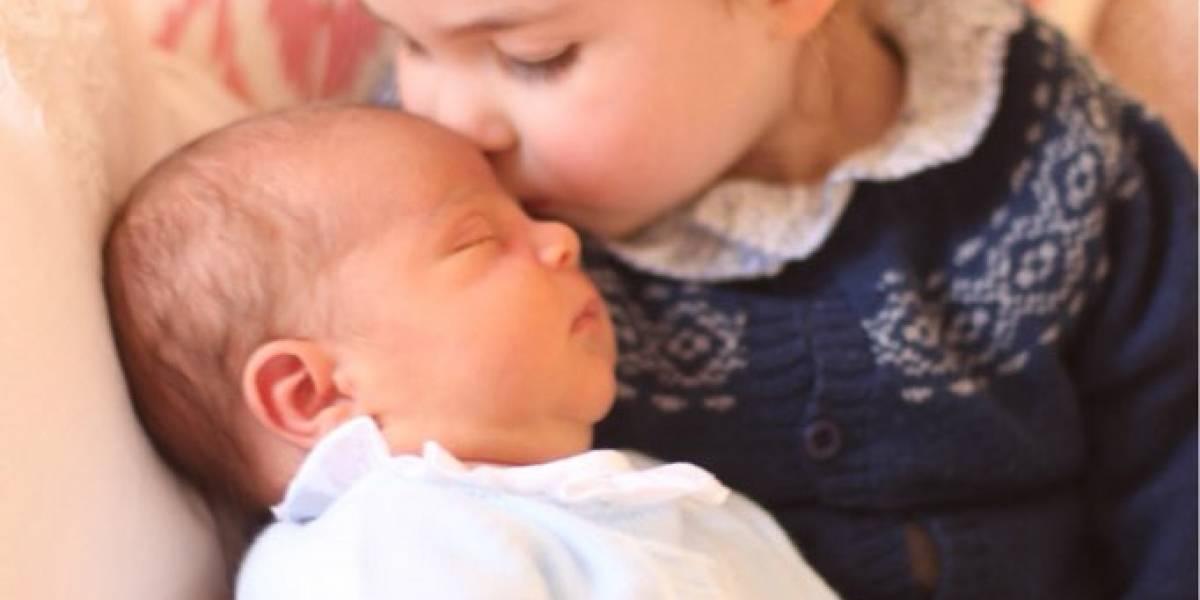 """""""Pasa hasta en las familias reales"""": Louis y Charlotte también heredan ropa de su hermano mayor"""